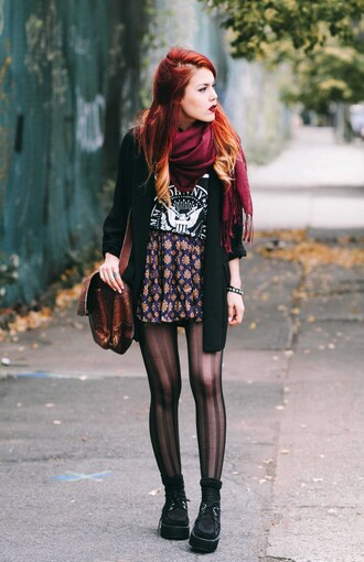 le happy blogger t-shirt scarf tights creepers blazer high waisted skirt