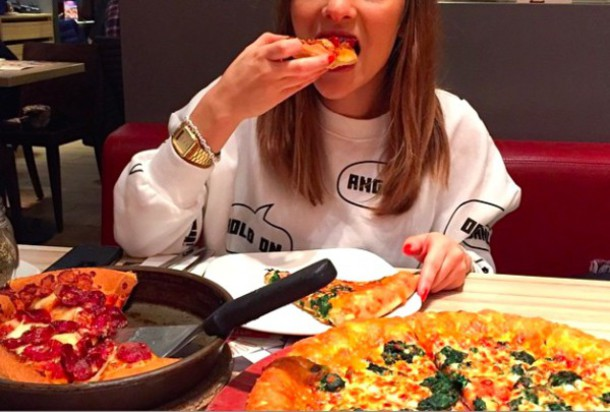 sweater sprechblase clothes white white sweater ballon sheinside sweatshirt quote on it words on shirt hold on hipster swag swag sheinside.com chiller pizza comfy comfysweater