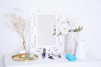 seams for a desire blogger make-up