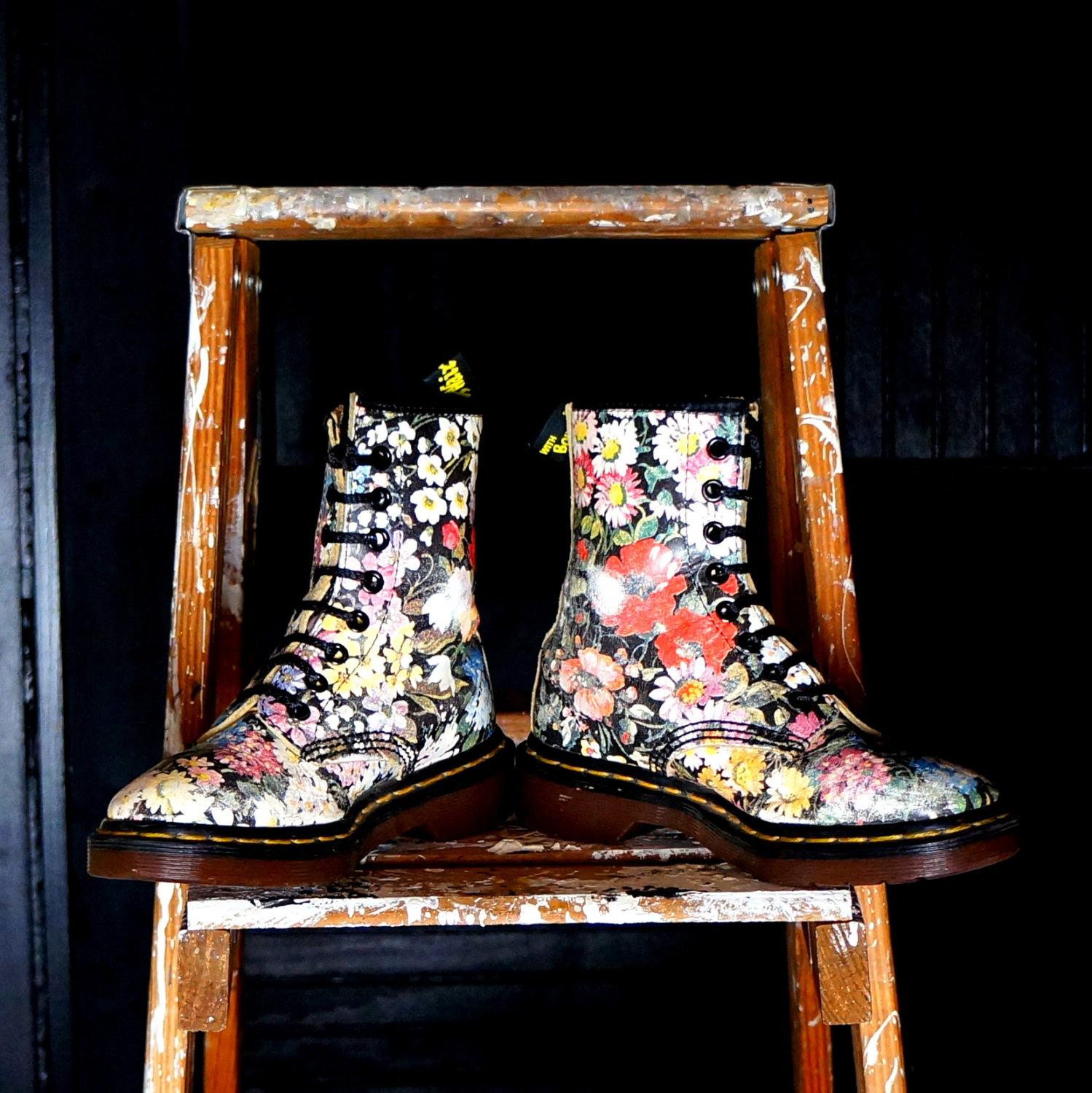 FLORAL Dr Martens Vintage Boots Eight (8) Eye Flower Docs Size uk 2 us 4 Old School Leather DM's Oi Punk Grunge Shoes Made in England