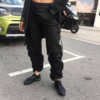 shoes comme des garçons x nikelab vapormax vapormax nike nike shoes nike running shoes black sneakers low top sneakers pants black pants comme des garcons