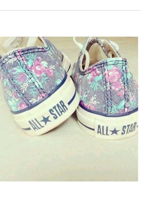 shoes allstars converse floral flowers girly fashion foot pink converse girl hipster cute shoes floral shoes vintage chuck taylor all stars flowers purple mint blue all star converse flowers like shoes spring converse tennis shoes blue shoes many colours cute cool clothes vans allstars converse roses colorful indie converse rosa pink white grey lovely