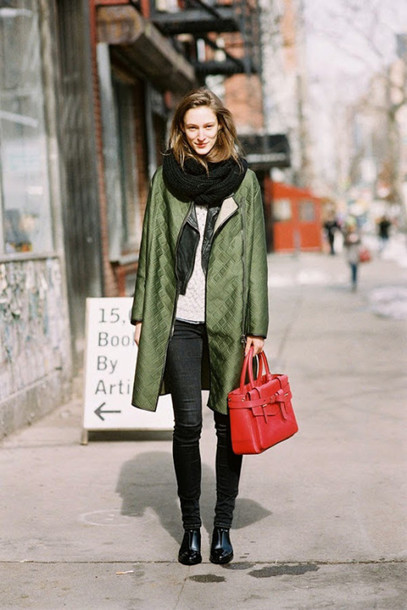 vanessa jackman blogger scarf olive green streetstyle red bag