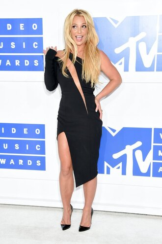 dress asymmetrical skirt asymmetrical dress black dress pumps britney spears vma mtv shoes julien macdonald louboutin celebrity style celebrity little black dress asymmetrical slit dress cut-out dress one shoulder long sleeve dress bodycon dress sexy party dresses party dress sexy dress black sexy dress pointed toe pumps high heel pumps black pumps