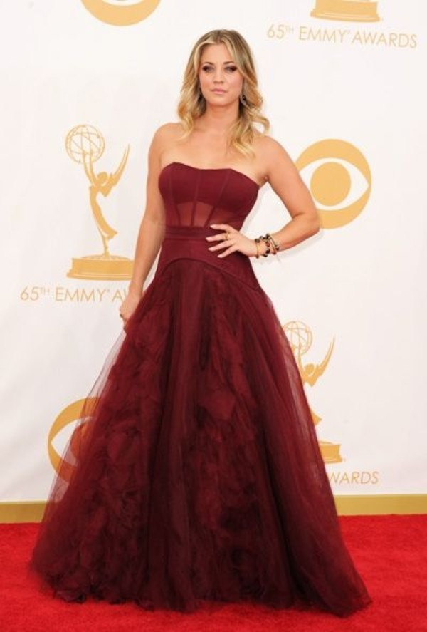 dress prom gala gown girl red dress dances dance school prom showcase interview show tv actress kaley cuoco big bang theory gorgeous colorful stunning dress