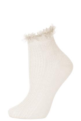 Cream lace trim ankle socks