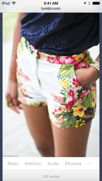 shorts floreal pattern flowered shorts white shorts floraal print