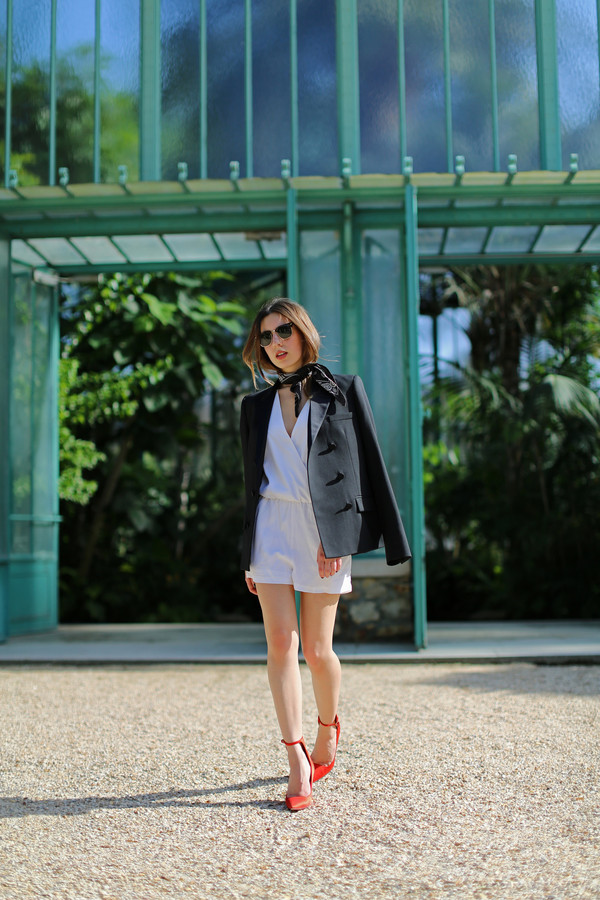 sarah co mode ton look jacket shorts jumpsuit shoes sunglasses