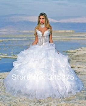 Aliexpress.com : Buy Custommade lace appliques tulle taffeta fitted bodice red and white ball gown wedding dress corset back long train romantic gown from Reliable gown shoes suppliers on Online Store 345275