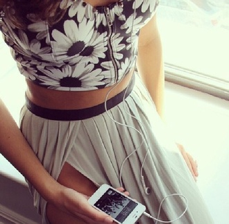 skirt shirt blouse daisy black and white top crop zip