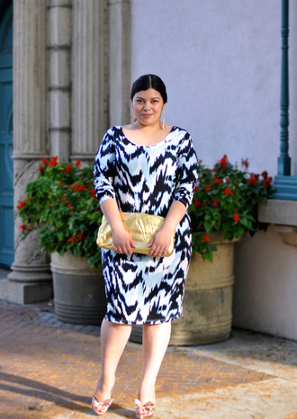 jay miranda blogger dress curvy patterned dress clutch
