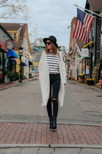 prosecco and plaid sweater cardigan jeans shoes bag t-shirt hat sunglasses shirt