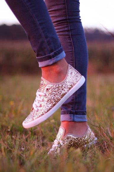shoes glitter gold keds skippies sparkly hat jeans glitter shoes girly converse sparkle sparkles gold sequins cute sparkels pretty shoes laceups gold glitter sneakers