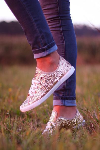glitter shoes glitter skinny jeans grey jeans sneakers shoes gold sparkle fall outfits gold sequins glittery gold converse keds sparkle gold sparkly god