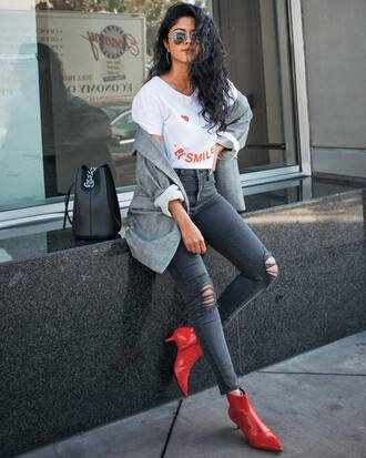 jeans tumblr skinny jeans denim grey jeans boots red boots ankle boots kitten heels t-shirt blazer grey blazer