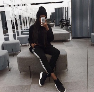 pants joggers adidas black white black and white sportswear sandra lambeck adidas joggers sports pants sports fashion streetwear style style me fashion summer outfit ootd tumblr outfit pinterest outfit instagram baddies baddie outfit sports shorts sporty sports top sport shoes hat cap grey
