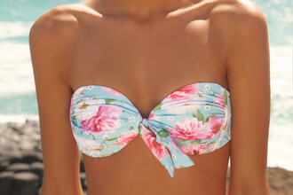 swimwear bikini bandeau bikini flowers floral bikini top beautiful wow folral cute sexy nice vintage dress summer tan beach floral floral swimwear bright blue pink hot bow bikini top floral bikini blue blue and pink fashion floral pattern vs victorias's secret bikini blue bikini knotted tie tie bikini tip tie bikini swimwear printed floral bikini top victoria's secret mint bikini blue floral strap less