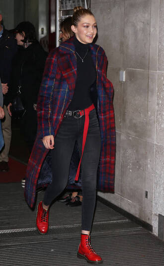 coat jeans turtleneck gigi hadid ankle boots top model off-duty london fashion week 2017 fall outfits