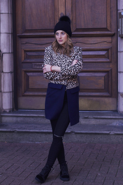 at fashion forte blogger coat pom pom beanie leopard print