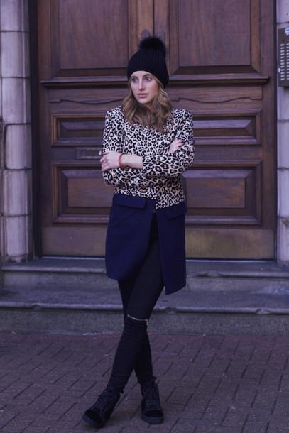 at fashion forte blogger coat pom pom beanie leopard print