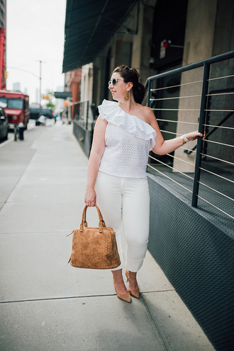 effortlessanthropologie blogger top pants jewels sunglasses bag shoes make-up