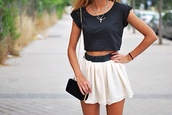 shirt,skirt,jewels,shorts,skater skirt,tank top,t-shirt,bag,white,navy,necklace,bracelets,summer,beautiful,whiteskirt,summer dress,flowy skirt,high waisted skirt,cute skirt,top,white skirt,black,black purse,gold chain,black and white,crop tops,beige and black skirt,dress,outfit,girly