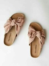 shoes,nude sandles,slide on shoes,bow,nude,cute