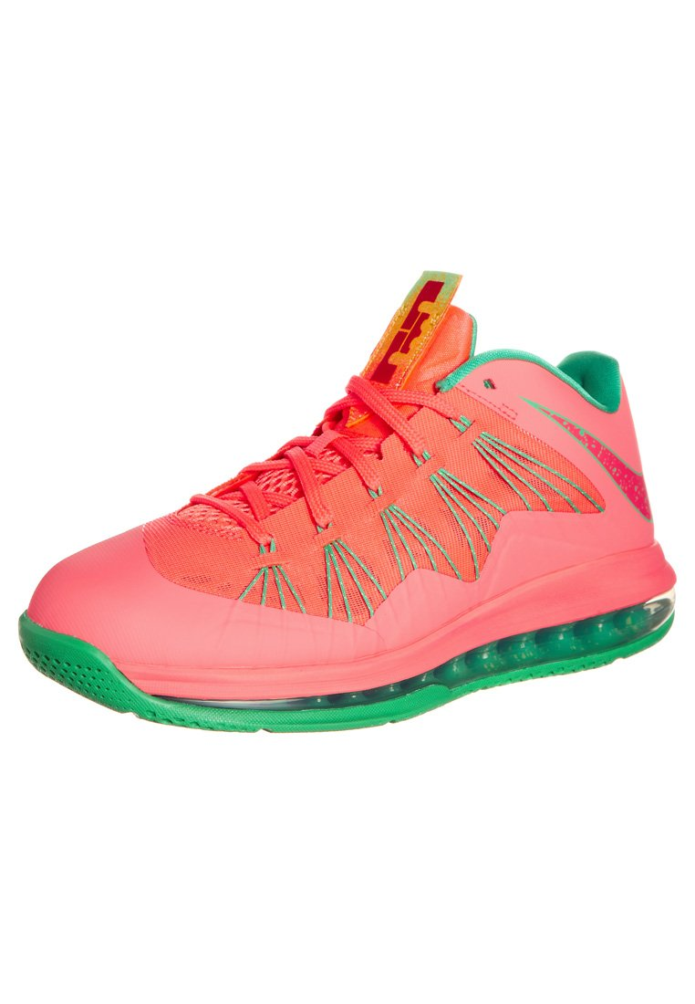 Nike Performance AIR MAX LEBRON X LOW - Basketball shoes - pink - Zalando.co.uk