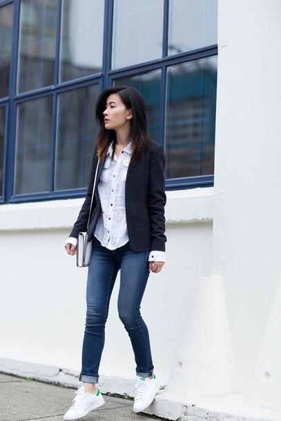 von vogue blogger jacket shirt jeans casual stan smith shoes bag