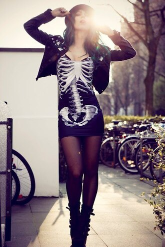 dress little black dress skeleton bones hat tight skin tight bodycon black white goth edgy vivid lifelike short hot hip bone spine alternative