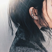 jewels,on point clothing,jewelry,kylie jenner jewelry,hipster jewelry,fashion jewelry,boho jewelry,ear cuff,crystal,cute,style,girl,cool,blogger,women,gorgeous,fashionista,hipster,clothes,tumblr,accessories,Accessory,instagram,pretty,beautiful,statement earrings,our favorite accessories 2015