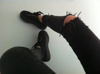 jeans shoes platform shoes black shoes platform sneakers black white fashion grunge pants ripped soft grunge skinny jeans holes black jeans ripped jeans trainers rock punk hipster ripped skinny jeans black ripped jeans goth emo tumblr outfit fab supergas flatforms sneakers cool