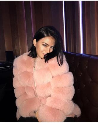 coat fur fur coat faux fur jacket fur jacket faux fur jacket pink love cute instagram instagram baddie winter outfits winter coat