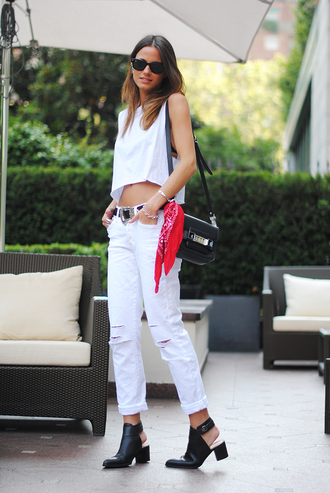 fashion vibe t-shirt shoes bag sunglasses scarf belt jeans