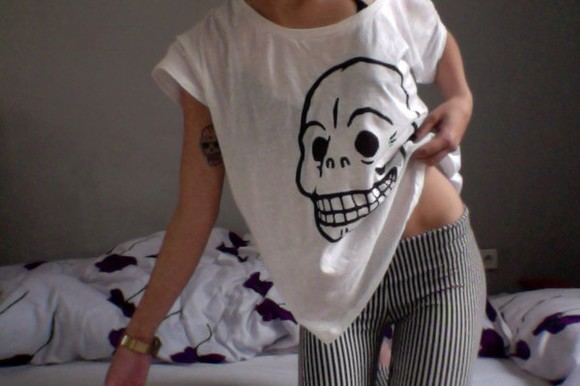 shirt skull shirt white skull striped pants pants black and white grunge skull t-shirt stripes white shirt grunge style skeleton hipster hipster white t-shirt
