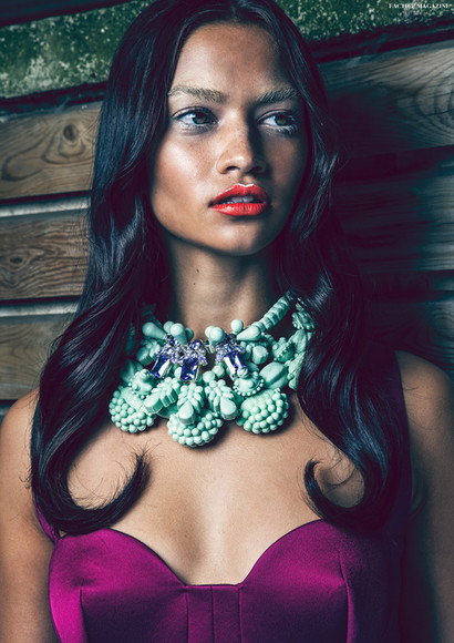 mint jewels necklace statement necklace make-up