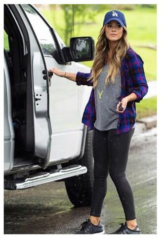 shirt leggings sneakers top jojo fletcher cap plaid plaid shirt