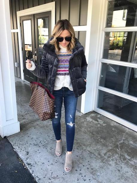 twopeasinablog, blogger, sweater, jeans
