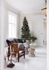 home accessory,tumblr,home decor,home furniture,chair,sofa,holiday home decor,holiday season,living room,pillow