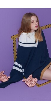 sweater,korean fashion,blue,navy,oversized,stripes,comfy,cute,off the shoulder,model,oversized sweater,korean street fashion,kawaii