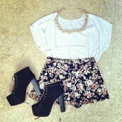 shoes,boots,flowered shorts,white top,braided,shorts,shirt,forever 21,outfit,clothes