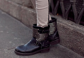 cara delevingne,studs,buckles,black,boots,shoes