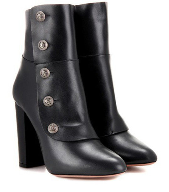 Aquazzura Private Boot 105 Leather Ankle Boots in black