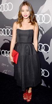 jamie chung,red heels,bustier dress,black dress,strapless,dress,purse,bag