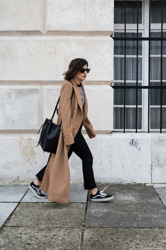 viennawedekind blogger coat t-shirt jeans sunglasses bag shoes long coat trench coat sneakers bucket bag winter outfits