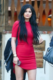 dress,kylie jenner dress,red dress,bodycon dress,kylie jenner,red mini dress,mini dress,asymmetrical dress,asymmetrical,celebrity style,black bag,sexy dress,dress corilynn,red,streetstyle,celebrity