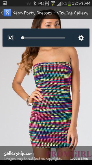 women zig zag multiple colour strapless