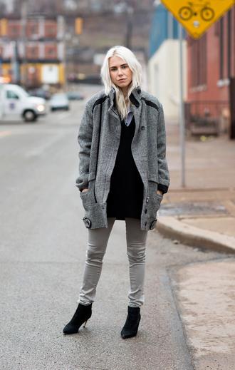 always judging blogger skinny pants grey coat boyfriend coat black heels coat shoes jeans sweater bag grey oversized coat