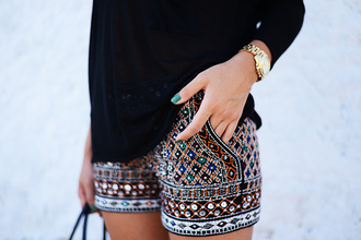 shorts jewelry jewels jeans pants blue printed shorts bohemian watch tribal pattern pattern colorful hippie hippie chic chic summer black atztec atzec atzec print gold pearl silver aztec tribal shorts jeweled shorts persian print sequins beautiful vintage boho chic lovely love more classy please! fashion fabulous like ethnic pattern pretty girl summer shorts style