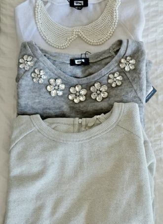 sweater graphic tee grey sweater pearl pearls necklase cozy sweater cozy buisness casual classy sweater weather